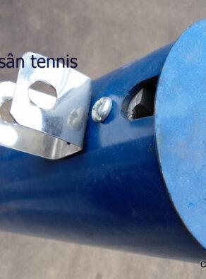 dung cot tru luoi san tennis