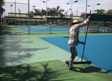 Thi-cong-son-san-tennis-ngoai-troi